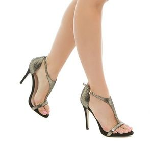 Shoe Dazzle Metallic T-strap Sandal. NWOT